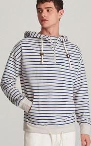 f103606514077 Bluza Reserved w młodzieżowym stylu