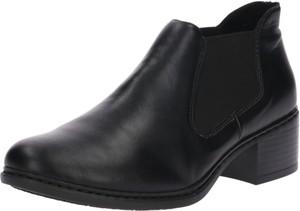 Czarne botki Rieker na obcasie w stylu casual