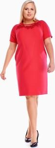 Czerwona sukienka Fokus midi z tkaniny z okrągłym dekoltem