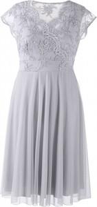 Sukienka Sklep XL-ka z tiulu