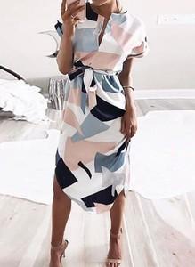 Sukienka Cikelly z dekoltem w kształcie litery v z długim rękawem