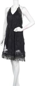 Czarna sukienka Scarlet Jones
