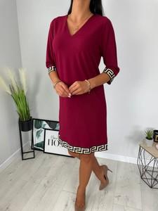 Czerwona sukienka ModnaKiecka.pl w stylu casual z dekoltem w kształcie litery v