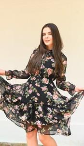 Sukienka Justmelove mini z okrągłym dekoltem