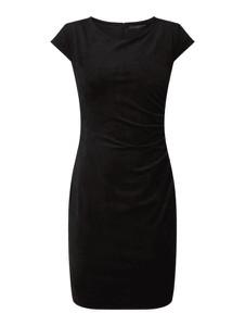 Czarna sukienka Guess prosta mini z krótkim rękawem
