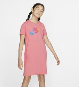 Różowa sukienka dziewczęca Nike