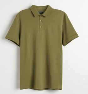 Zielony t-shirt Reserved z krótkim rękawem z dzianiny