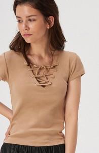 Brązowy t-shirt Sinsay ze sznurowanym dekoltem