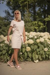 Sukienka Dreskot z długim rękawem z okrągłym dekoltem w stylu casual