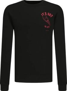 Bluza Armani Exchange z nadrukiem w młodzieżowym stylu