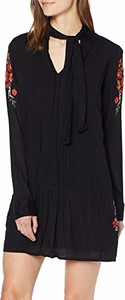 Sukienka amazon.de z dekoltem typu choker z długim rękawem w stylu casual