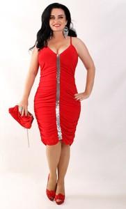 Czerwona sukienka Oscar Fashion z dekoltem w kształcie litery v mini