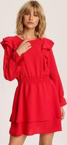 Czerwona sukienka Renee z długim rękawem z okrągłym dekoltem