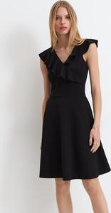 Sukienka Mohito mini z dekoltem w kształcie litery v bez rękawów