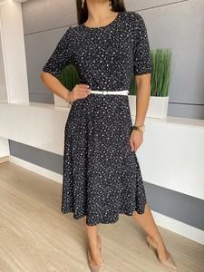 Czarna sukienka ModnaKiecka.pl z okrągłym dekoltem w stylu casual z długim rękawem
