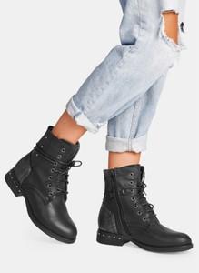 Czarne botki DeeZee sznurowane w stylu casual