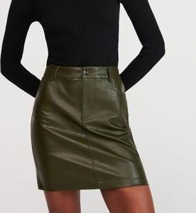 Zielona spódnica Reserved mini w rockowym stylu