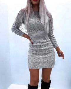 Sukienka Kendallme z okrągłym dekoltem dopasowana mini