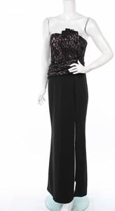 Czarna sukienka Lipstick bez rękawów