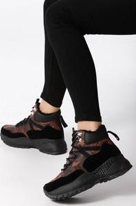 Sneakersy born2be z płaską podeszwą
