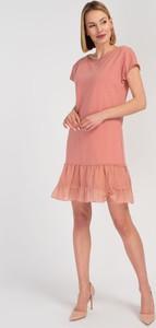 Różowa sukienka Cotton Club z okrągłym dekoltem mini