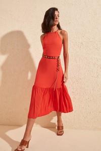 Czerwona sukienka Trendyol z dekoltem halter