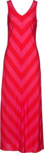 Czerwona sukienka bonprix bpc selection z dekoltem w kształcie litery v
