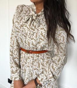 Sukienka Promese midi z dekoltem w kształcie litery v