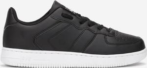 Czarne buty sportowe Multu sznurowane w sportowym stylu