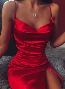 Czerwona sukienka Cikelly mini dopasowana