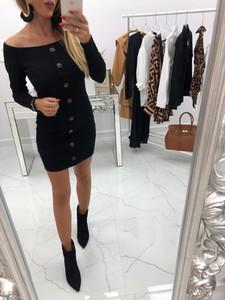 Czarna sukienka chicaca z długim rękawem dopasowana mini