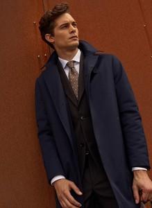 Granatowy płaszcz męski Pako Lorente w stylu casual