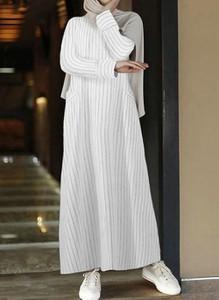 Sukienka Cikelly z kołnierzykiem maxi z długim rękawem