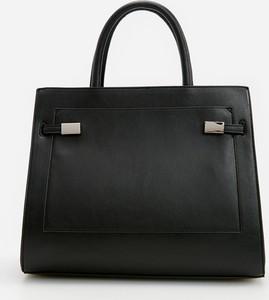 Czarna torebka Reserved na ramię lakierowana duża