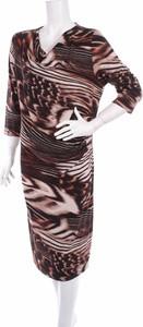 Sukienka Bonita prosta z długim rękawem