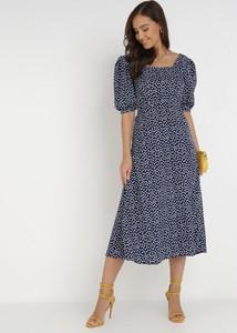 Granatowa sukienka born2be z okrągłym dekoltem z długim rękawem midi