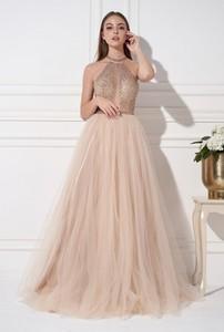 Sukienka Ella Boutique z dekoltem w kształcie litery v z długim rękawem