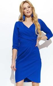 Niebieska sukienka Makadamia dopasowana w stylu casual z długim rękawem