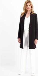 Czarny płaszcz Lavard z tkaniny w stylu casual
