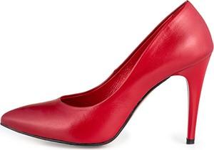 Czerwone szpilki ManufakturaObuwia ze skóry