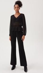 Czarna bluzka Sinsay z tkaniny z dekoltem w kształcie litery v