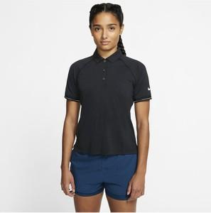 Czarny t-shirt Nike z kołnierzykiem