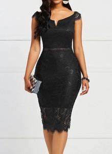 Czarna sukienka Arilook ołówkowa z dekoltem w kształcie litery v z krótkim rękawem