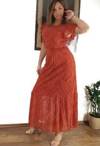 Pomarańczowa sukienka Dresskod wyszczuplająca maxi