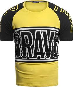 Żółty t-shirt Risardi w młodzieżowym stylu z nadrukiem z krótkim rękawem