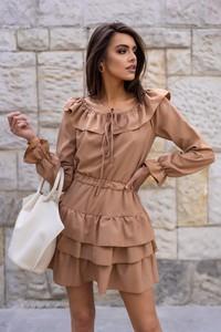 Brązowa sukienka Popatu z odkrytymi ramionami z długim rękawem