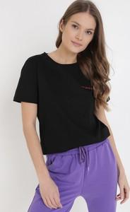 Czarny t-shirt born2be z krótkim rękawem