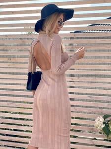 Sukienka Magneticsklep z dekoltem na plecach maxi