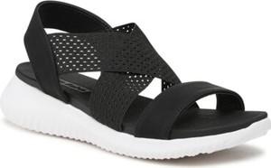Czarne sandały Clara Barson z płaską podeszwą w stylu casual