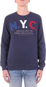 Niebieska bluza Fred Mello w młodzieżowym stylu